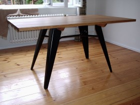 Metallarbeit Möbel Tisch